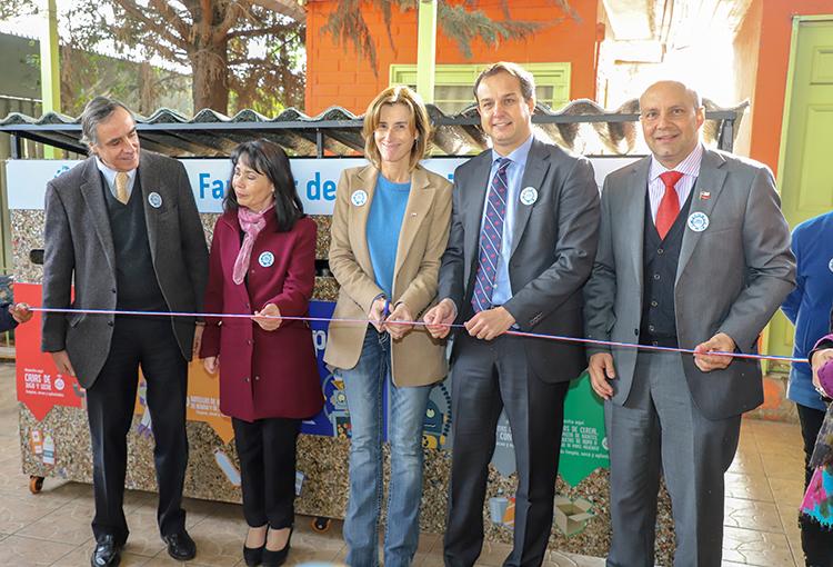 Con nuevo centro de reciclaje en Quinta Normal continúa programa Escuelas Sustentables