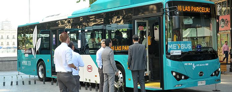 Histórica entrada en operación de los primeros buses eléctricos del Transantiago