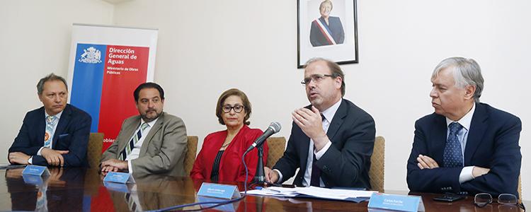 Ministros destacan aprobación del proyecto que modifica el Código de Aguas