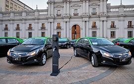 Empiezan a circular los primeros taxis eléctricos: ayudarán a descontaminar la RM