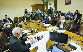 Acusación constitucional: abogados ambientales critican a Piñera y a la institucionalidad