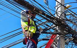 Gobierno promulga ley que obliga a retirar cables en desuso en todo el país