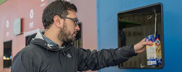 Camión reciclador lidera jornada #NoLoBotesDónalo en Piedra Roja