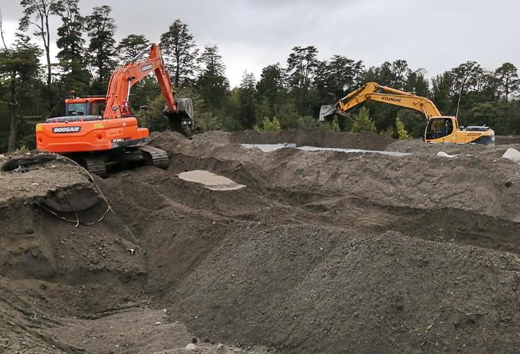Relleno industrial en Dalcahue deberá extraer residuos derramados a cuerpos de agua