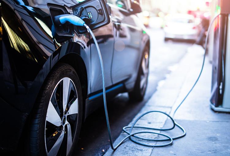Nuevo acuerdo público-privado busca impulsar la electromovilidad en Chile