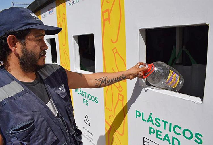 Medio Ambiente trabaja en protocolo especial para resguardar a recicladores de base