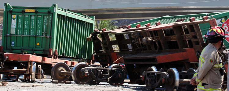Tren descarrila y derrama sulfato de cobre en la comuna de San Felipe