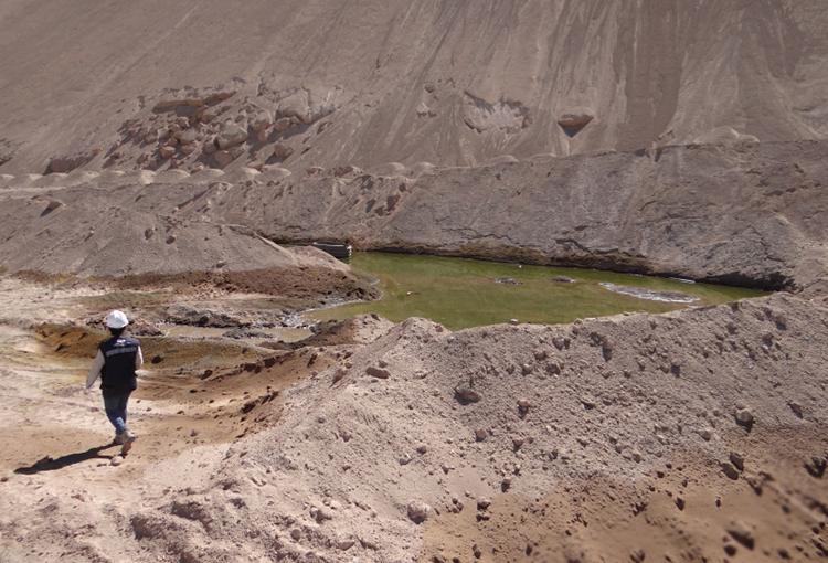 Ordenan medidas urgentes a minera por posible afectación al agua y las personas
