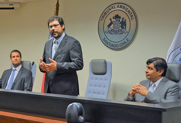 Abogado Cristián Delpiano asumió la presidencia del Tribunal Ambiental de Santiago