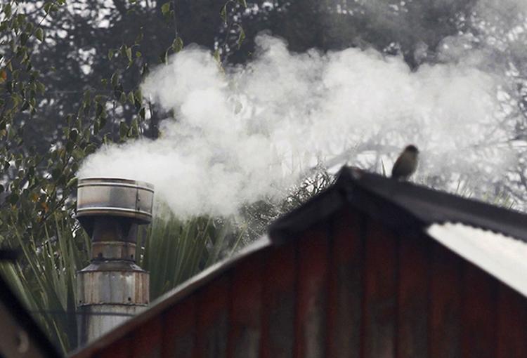 Osorno y Valdivia constatan preemergencia ambiental por mala calidad del aire