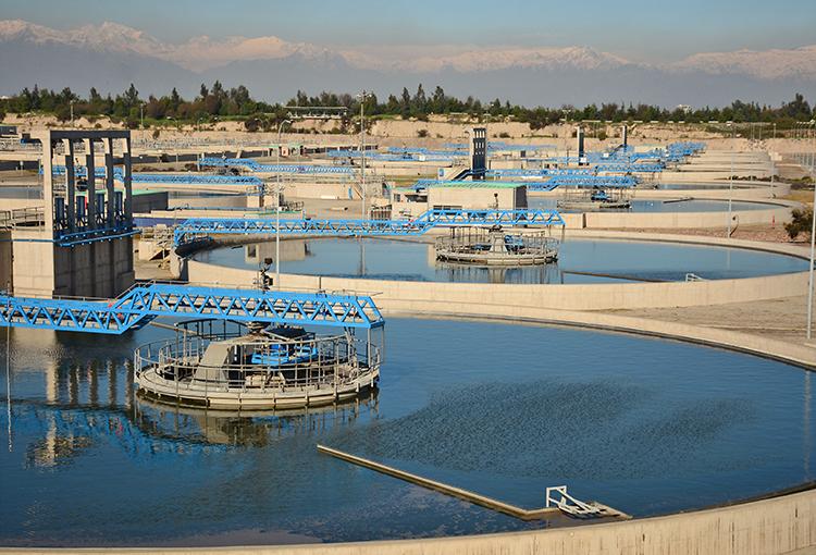 Estudio de Covid-19 en aguas servidas permitirá generar alertas preventivas en la RM